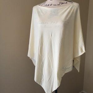 ⭐️3/$20 Fashion poncho/body scarf